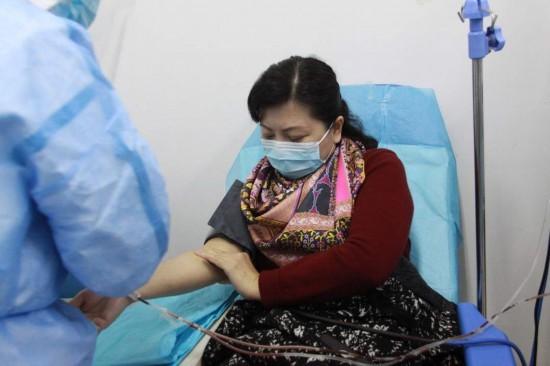 武汉市金银潭医院院长张定宇妻子捐献血浆