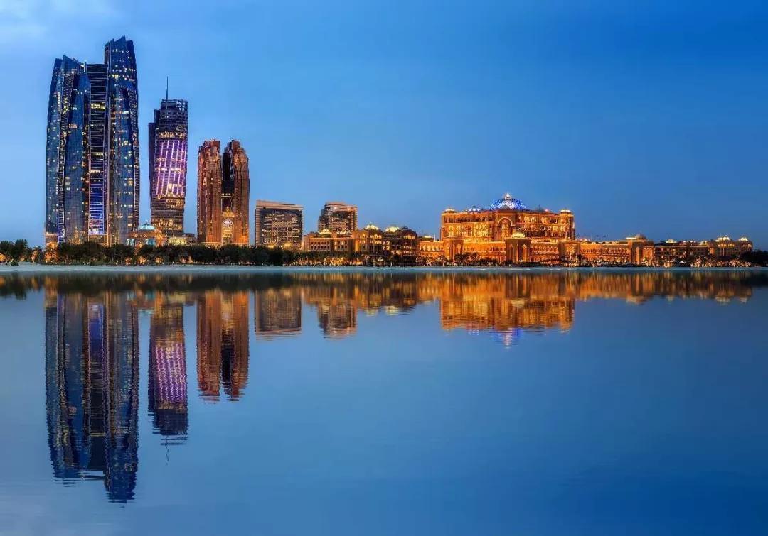中国人可以在阿布扎比买房啦!稀缺海滨高尔夫公寓,犹豫就是错过