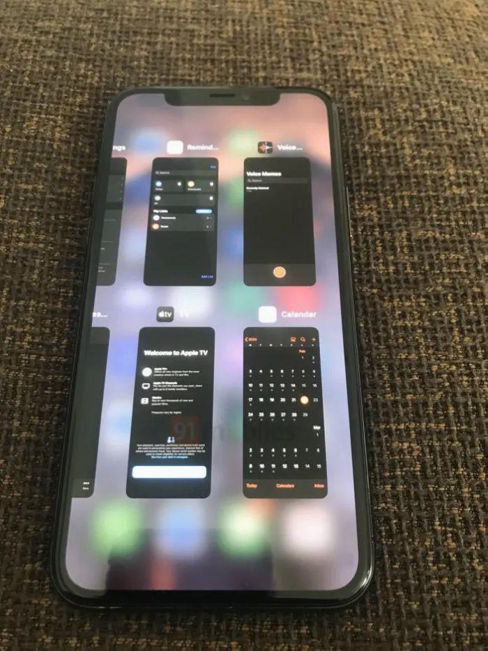 iOS 14多任务视图曝光:类似于iPad 同时显示4款App的照片 - 2
