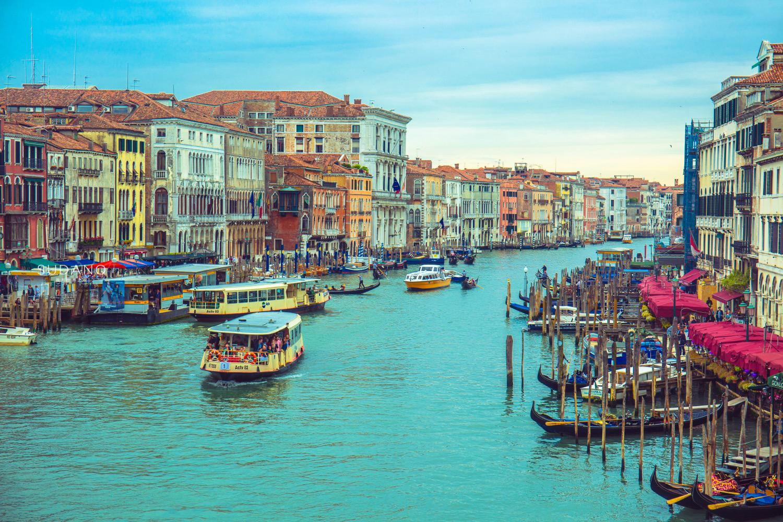 """可能会消失的古城:整座城市建在海上,有""""西方苏州""""之美誉"""