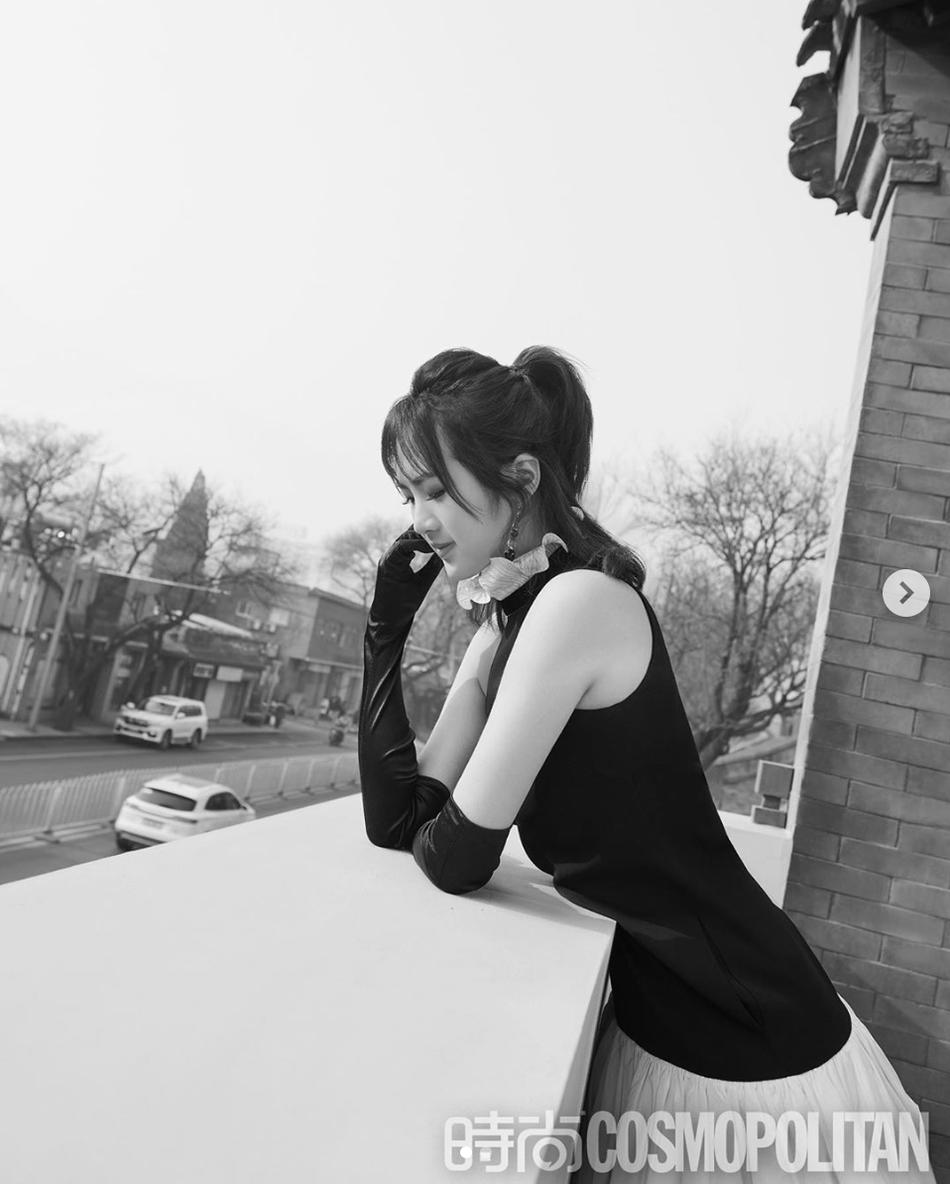 任正非女儿姚安娜登时尚杂志 肤白貌美名媛范十足