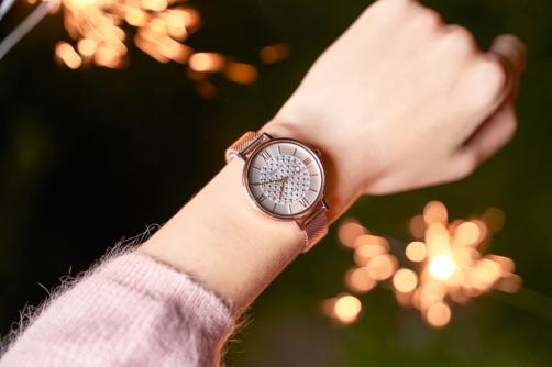 璀璨光芒,腕间星辰 卡西欧SHEEN SHE-4059系列闪耀上市