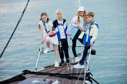 FILA KIDS发布夏日潮品,扬帆探游,再现撒丁岛时尚