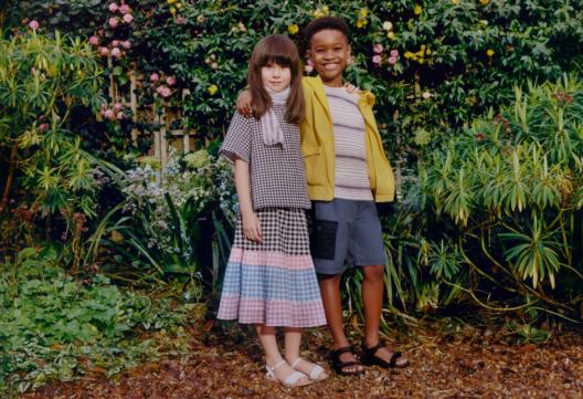 经典英伦,田园风格设计 首次推出童装系列,尽享自然活力生活
