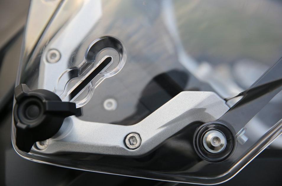 国产拉力大单缸老司机更喜欢  无极650DS上路亲测