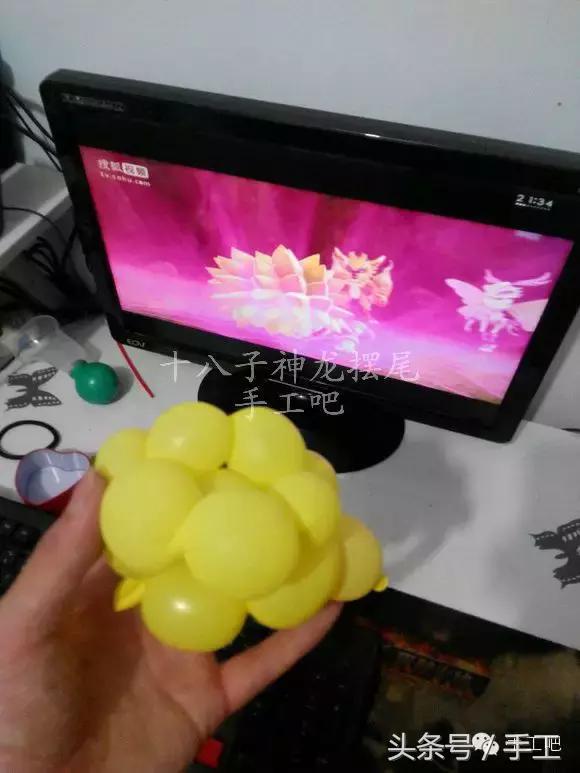 一根气球做花的步骤!分享怎么用一根气球做花教程
