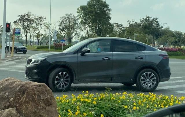 國產版寶馬X6 傳祺轎跑SUV實拍曝光
