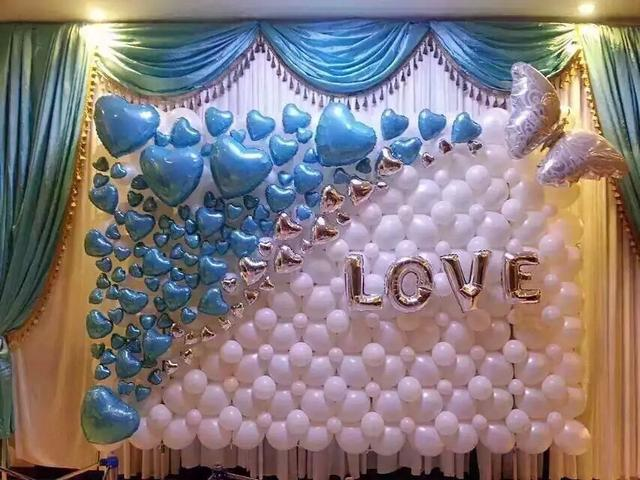 布置婚房氣球怎么粘在墻上?這樣粘天花板上也不掉