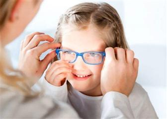 上网课,到底有没有必要戴防蓝光眼镜?
