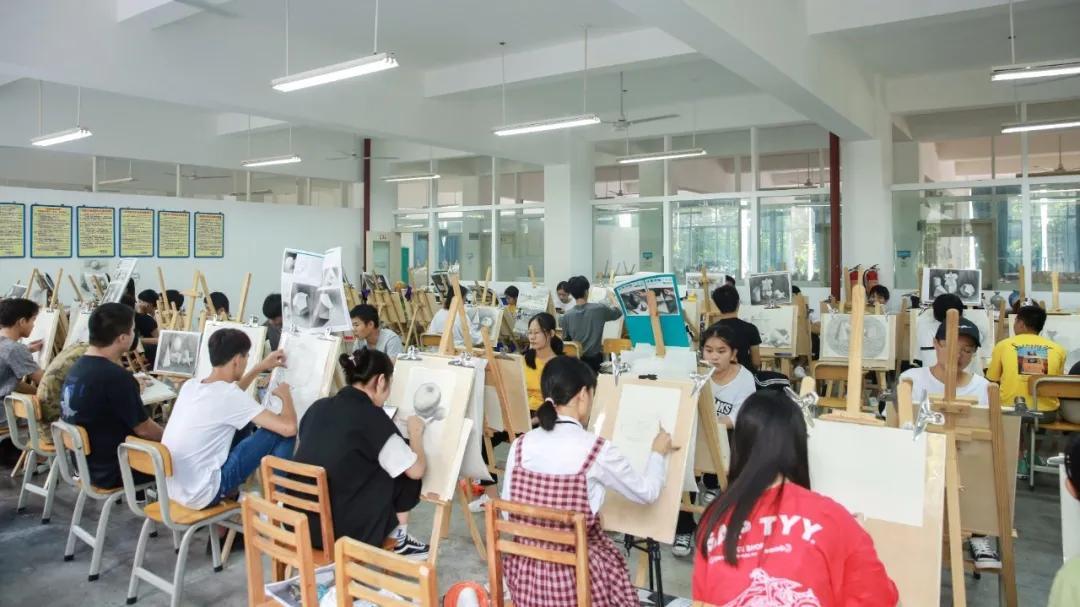 广告设计与制作,2020年单招/对口专业介绍,广西城市职业大学专门为你@毕业班考生