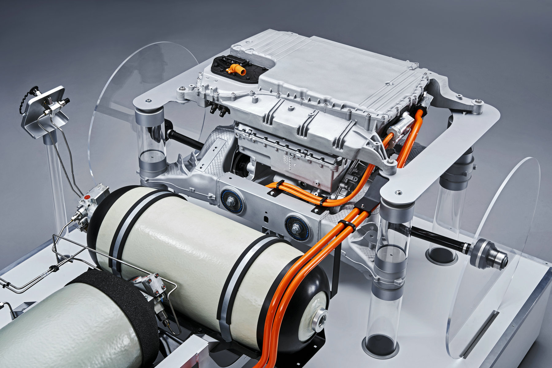宝马首次披露氢燃料电池技术细节,2022年小规模量产