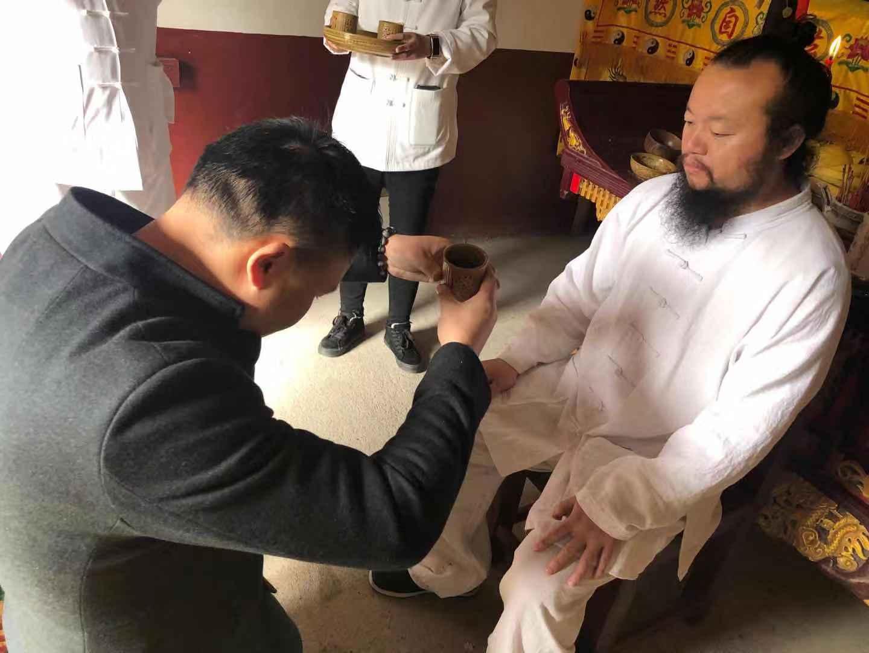 民俗專家無量子師傅收徒規范中國傳統拜師禮儀
