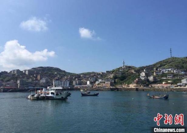 祈祷!浙江舟山16人渔船失联 救助直升飞机参加海上搜救