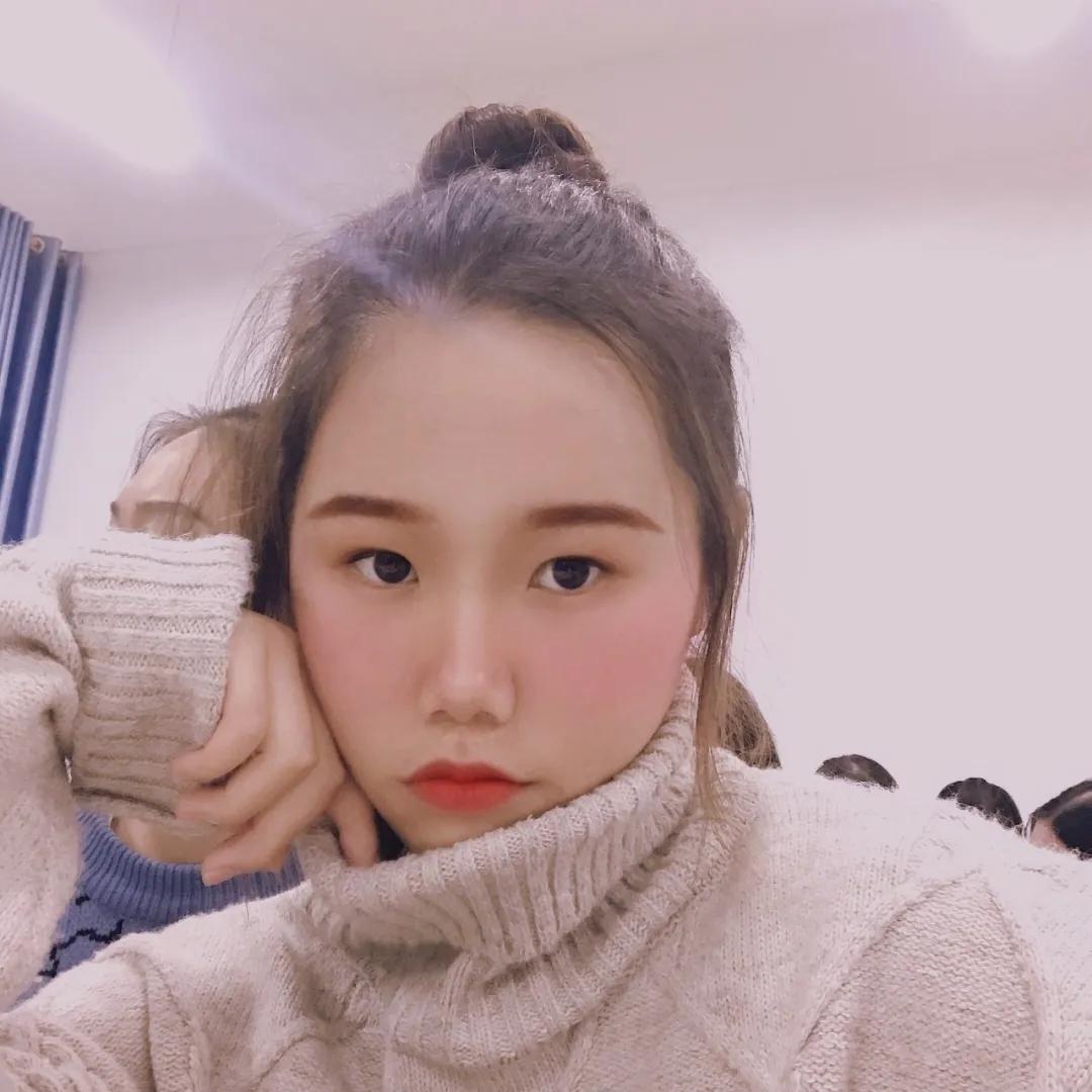 广西城市职业大学#亲@舍友#告白墙 No.8:淡黄长裙,蓬松头发,这是你的舍友吗?