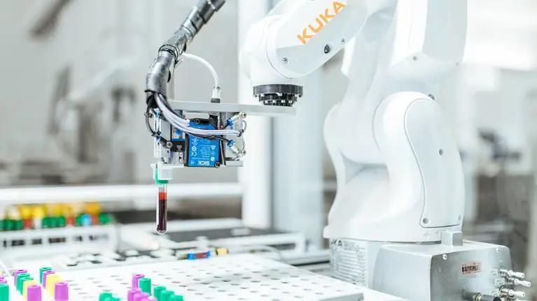 库卡机器人斩获大单,2020年市场出现积极信号?库卡