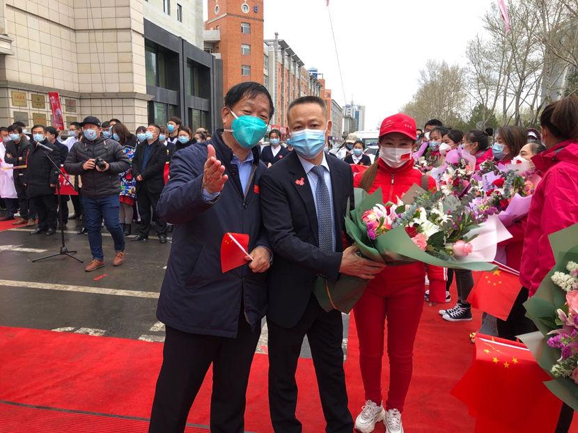 吉林省援鄂医疗队表彰欢迎仪式在长春肿瘤医院门前举行