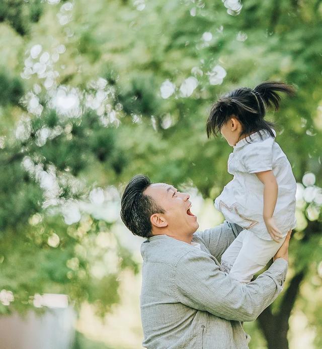 交换女儿_41岁高龄产女,《交换空间》主持人王小骞离开央视后过得如何 ...