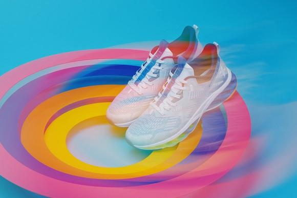特步第七代减震旋引领跑鞋穿搭新纪元