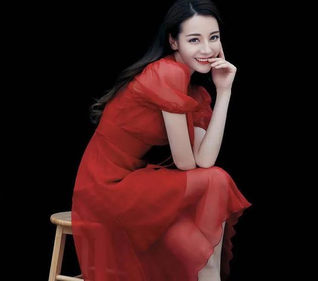 王晶辟谣迪丽热巴饰演新《倚天》小昭,小昭的饰演者还没有公布
