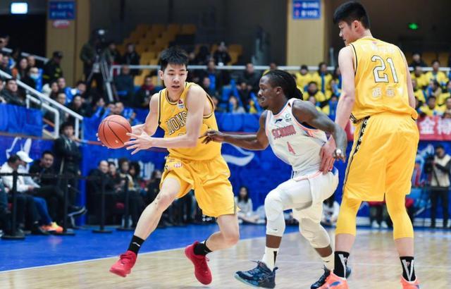 菜鸟赛季打动李春江,朱俊龙潜力无限,或是广厦男篮三号位答案