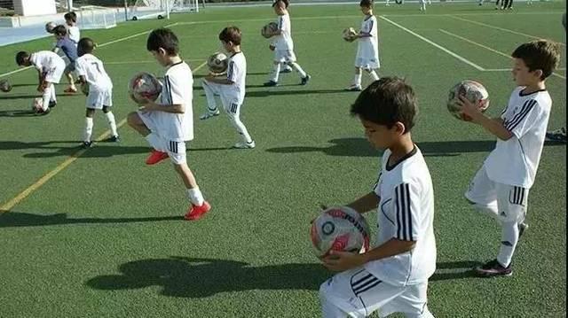 恒大足球学校青训