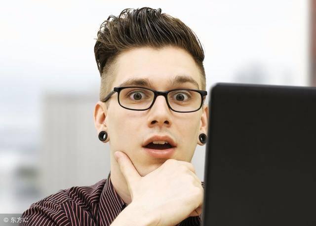 烟灰色头发帅哥图片 男生烟灰色短发发型 深灰色头发效果图烟熏灰色头发图片