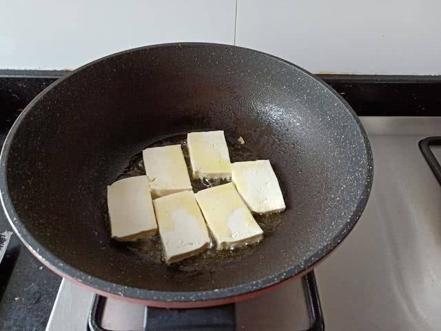 香椿不要再炒鸡蛋了,原来这么做才最好吃,再不吃,几十年白活了