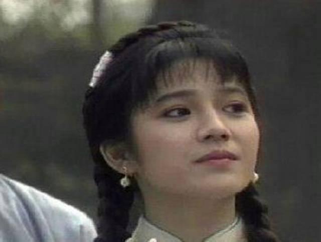 当年的她小三上位,今被丈夫宠成女王,活成了所有女人想要的样子