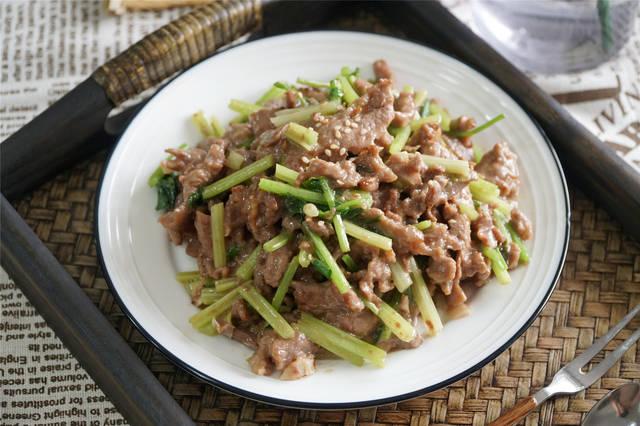 炒牛肉诀窍,入锅前这样做,怎么炒都不老