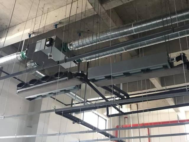 扬子江空调新风系统安装现场