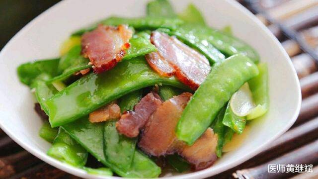不仅可以抗菌消炎,还能促进消化,荷兰豆为何成为餐桌必备蔬菜?