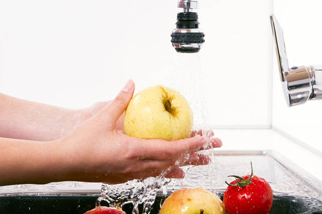 Live Science:美国食品安全专家警告,不要用肥皂水清洗蔬菜水果