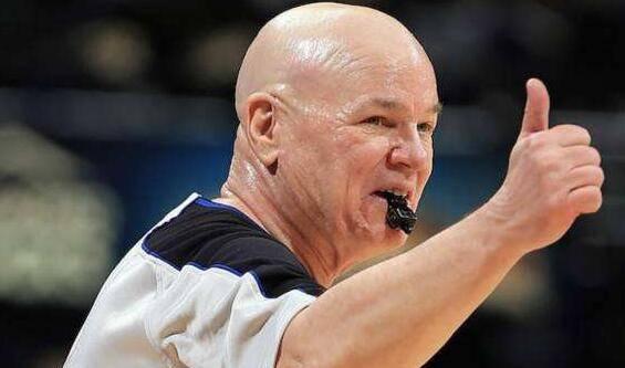 NBA每日吐槽:老板背信加内特拒退役21号球衣 比