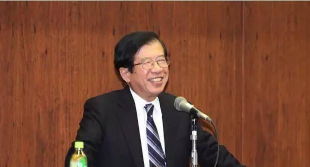 """日本教授: """"如果你不想早死, 最好别戒烟""""!引发众人议论"""