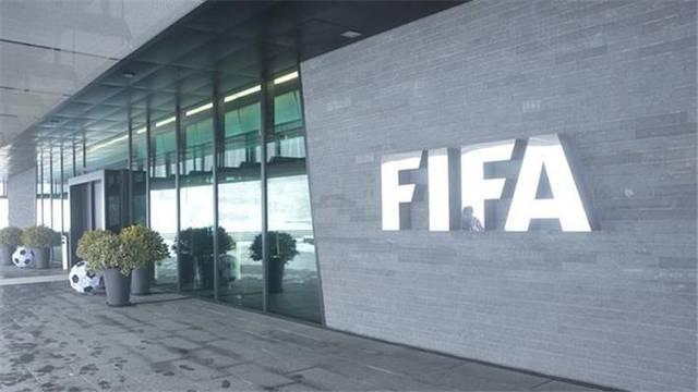 FIFA官方:球员合同延长至赛季结束 转会窗口调整