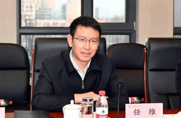 他成全国最年轻省部级领导,76年出生、清华博士