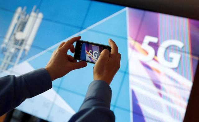 """三家运营商发布了""""5G消息白皮书"""",短信""""变脸""""求生"""