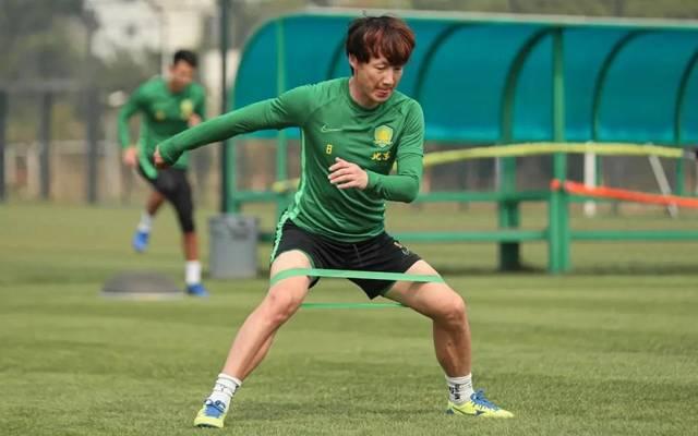 国安教练组满意上港后卫试训表现 看重其U23身份