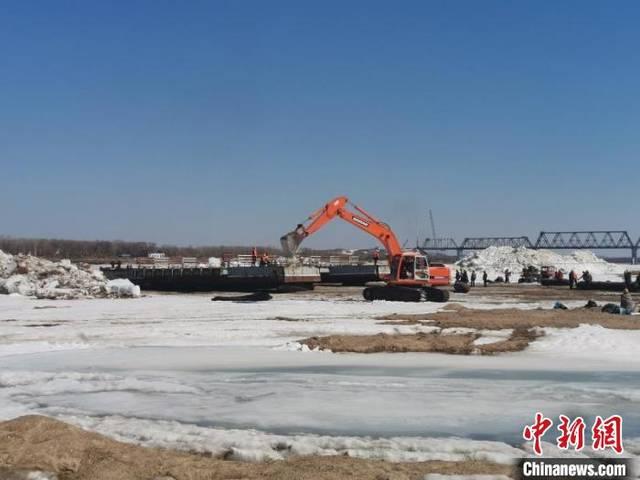 黑龙江同江口岸对俄罗斯浮箱固冰通道拆解完毕