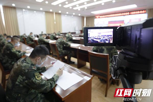 安检抽签全程监控 走进考场感受武警战士考军校