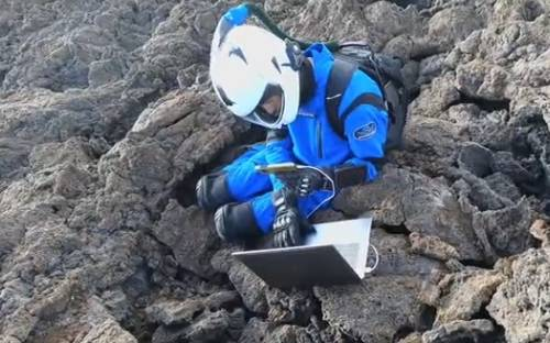 宇航员训练师:疫情期间自我隔离需要注意的几