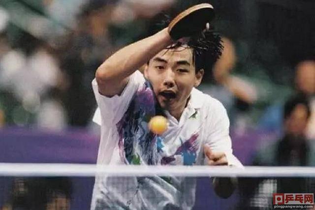 刘国梁21岁首次参加奥运会夺2金,双子星时代来