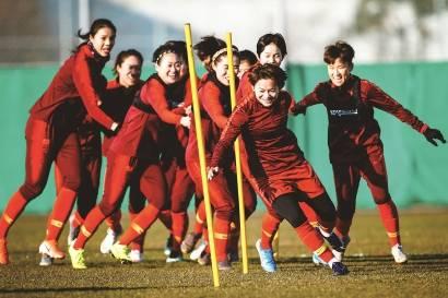 王霜与女足会合迎完整阵容 已抵达苏州隔离14天