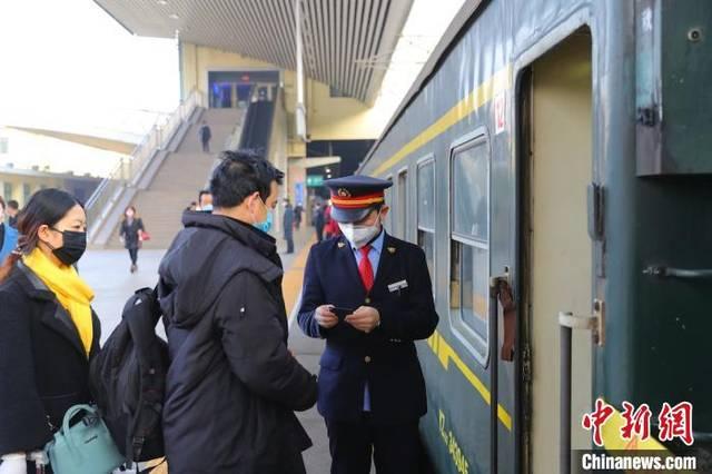 太原铁路148趟旅客列车时刻调整 大同至北京首开