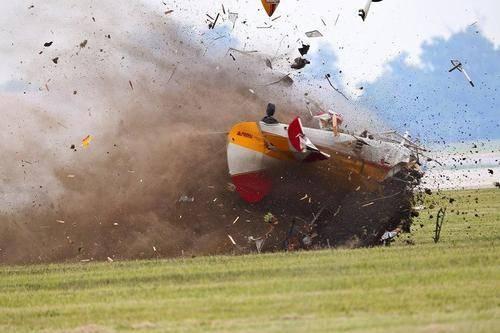 是不是太不人道?明知航空遇难死亡率近100%,也不让乘客自己跳伞