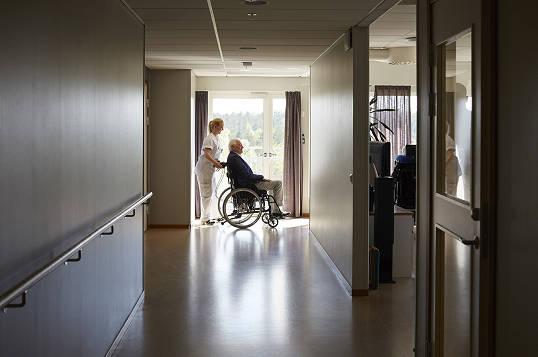 美国加州采取更多行动保护老年人群体免受新