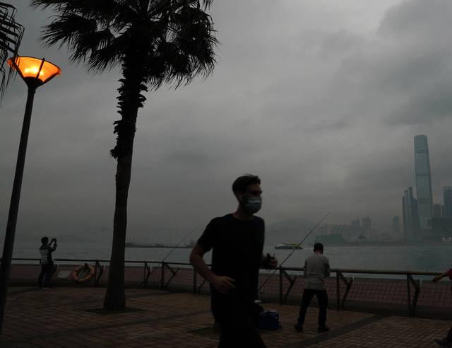香港新增11例新冠肺炎确诊病例 累计报告1000例