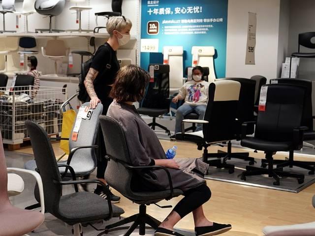 """""""为居家办公再添一把椅子""""——疫情下中国家居消费有了新变化"""