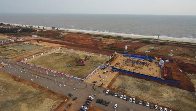 海南自由贸易港建设项目集中开工和签约仪式举