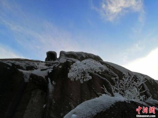 黄山风景区:15日起日进山游客最大承载量调整为1.5万人
